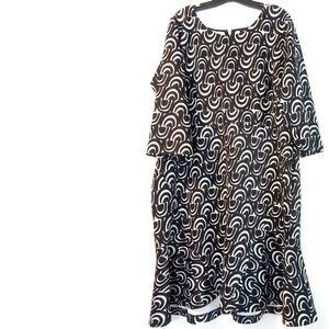 22 Eloquii Black & White Print Scuba Dress